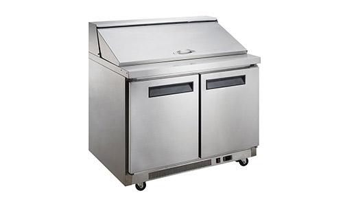 6. Dukers Appliance USA DUK600162377950 Refrigerador comercial de mesa para preparar ensaladas para sándwiches Dukers