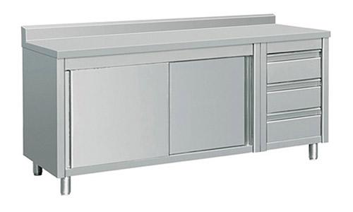 8. EQ Kitchen Line Prep Table Puerta corredera